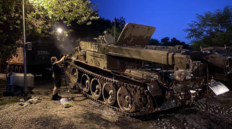Przygotowania do Święta Wojska Polskiego w Parku Śląskim
